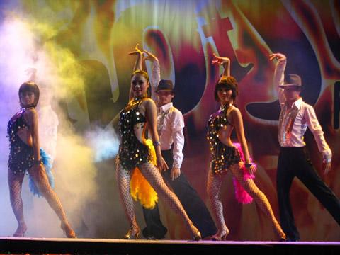 Kết quả hình ảnh cho nhóm nhảy, nhóm múa