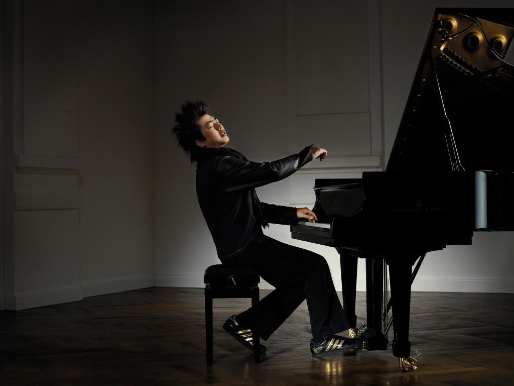 Cho thuê nhạc công Piano chuyên nghiệp