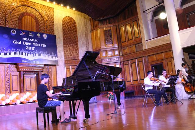 Cho thuê nhạc công Piano